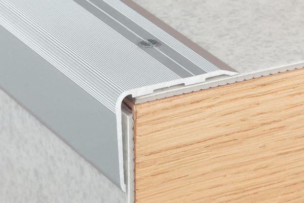 Aluminium Trapneus Geribbeld 15003 1501 Voorbeeld